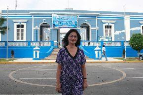 La directora del nosocomio, Cristina Eguiguren Li, anuncia que equipo de psiquiatra saldrá a comunidades. Foto: ANDINA/Norman Córdova