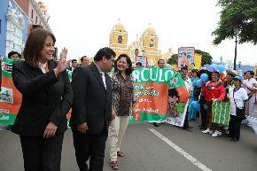 La ministra de Salud, Midori De Habich, encabezó la campaña de lucha contra la tuberculosis en Trujillo.