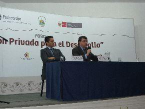 Trujillo (LA LIBERTAD).- Director ejecutivo de ProInversión, Javier Illescas, en foro Inversión Privada para el Desarrollo, organizado por ProInversión. FOTO ANDINA/Laura Vásquez