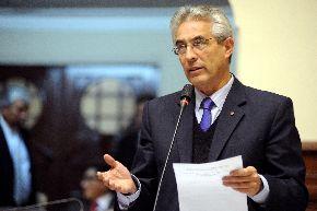 Legislador Fernando Andrade, presidente del partido  Somos Perú