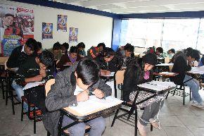 Jóvenes de diversos distritos de la región Lima postularán a Beca 18.