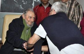 Expresidente cubano Fidel Castro reaparece después de meses de ausencia. Foto: Granma