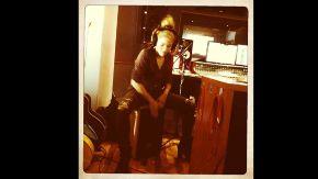 Shakira y el cajón peruano.