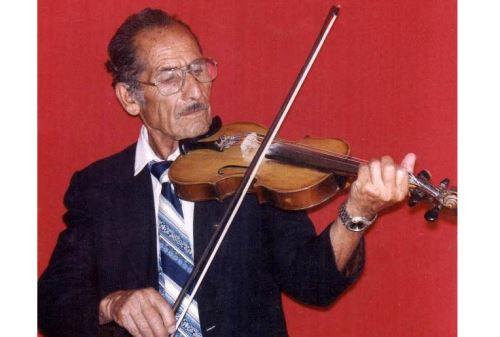 Lucio Portales, padre de Amanda Portales