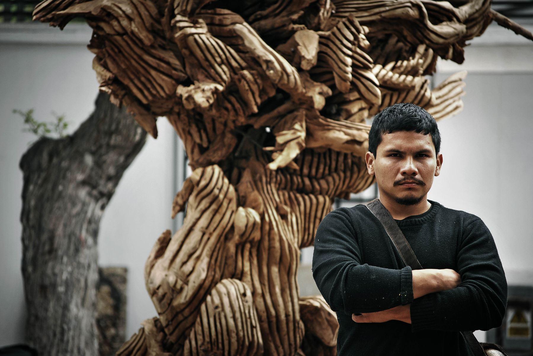 Escultor IItalo Flores