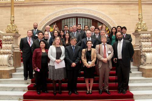 Misión económica de Bélgica se reunió con funcionarios de la Municipalidad de Lima Metropolitana.
