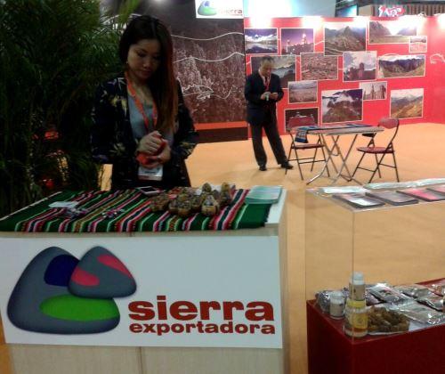 Stand de Sierra Exportadora en Feria de Macao, China.