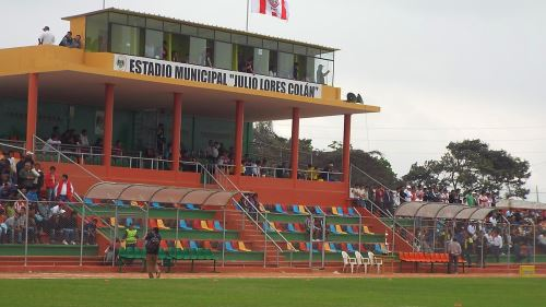 El estadio Julio Lores Colán, en el norte chico de Lima.