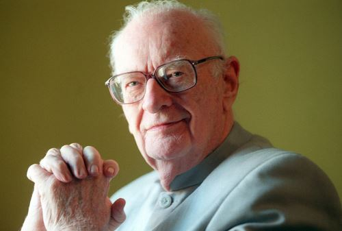 Escritor Arthur Charles. Internet/Medios