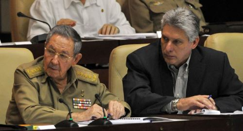 Presidente de Cuba, Raúl Castro asiste a Parlamento donde se ratificó reconciliación con Estados Unidos. Foto: Cuba.cu