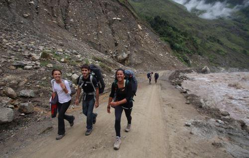 Buen número de turistas llega a Machu Picchu usando la ruta de Santa Teresa. ANDINA