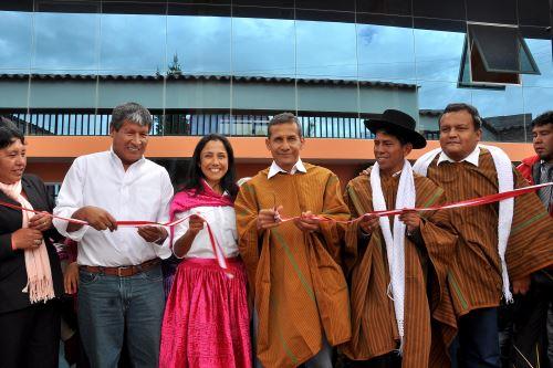 Jefe de Estado Ollanta Humala inaugura obras de mejoramiento en colegio de Ayacucho. ANDINA/Prensa Presidencia