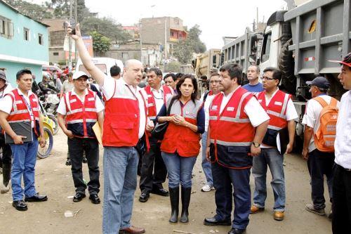 Sunafil orienta sobre sus derechos laborales a trabajadores que viven en zona de desastre. Foto: Andina/Difusión