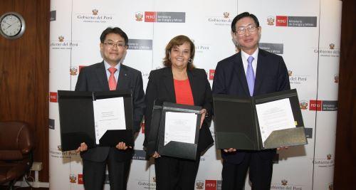 Ministerio de energía y Minas suscribe convenios de cooperación en desarrollo energético con Corea del Sur