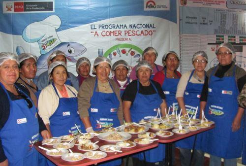 Enseñarán a cocinar pescado en Los Olivos y Villa María del Triunfo. Foto: Andina/Difusión
