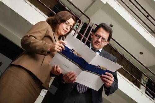 Beca a catedráticos Foto: Difusión