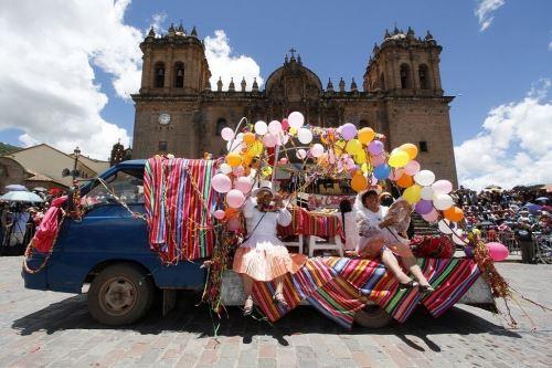Cusco draws crowds of tourists for Carnival   News   ANDINA - Peru