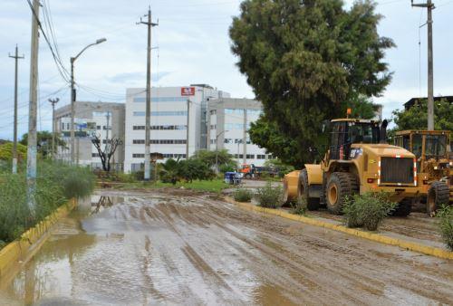 Talara resultó también afectada por las lluvias intensas que se registraron en Piura.