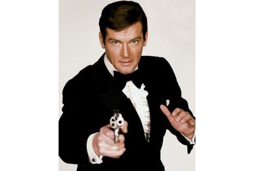 Roger Moore interpretó a James Bond