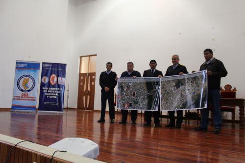 Especialista de Conida expusieron alcances del satélite Perú Sat-1.