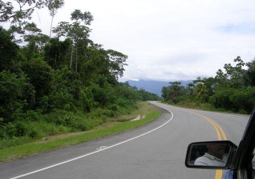 Carretera mejorará comunicación de Iquitos con comunidades ubicadas cerca de la frontera.