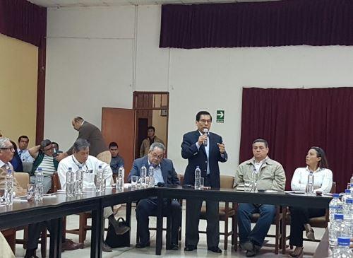 Ministro de Agricultura, José Hernández se reunión con diversas autoridades de Piura.