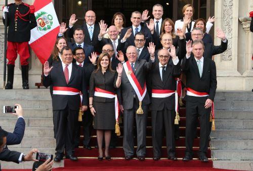 Gabinete ministerial presidio por Mercedes Aráoz