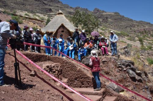 Arqueólogos explicaron a los estudiantes la importancia del Camino Inca.