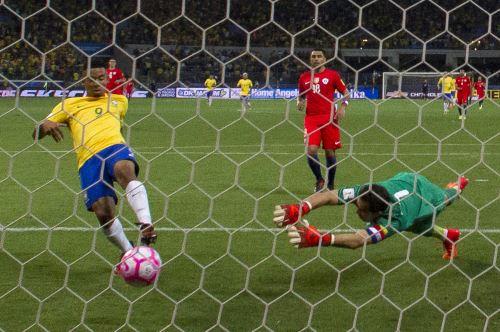 Chile cayó ante Brasil