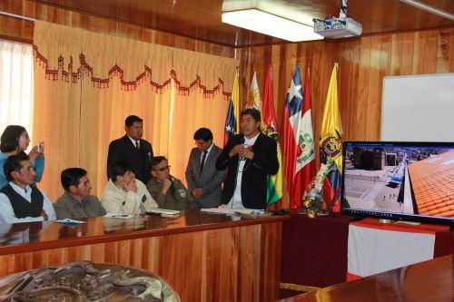 Alcalde de Puno, Iván Flores, anuncia instalación de 50 cámaras de seguridad.