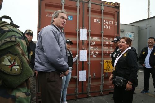 Callao en megaoperativo incautan 1 300 kilos de droga for Como se llama el ministro del interior