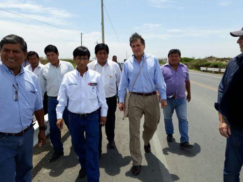 Pablo de la Flor visitó diversas localidades de Lambayeque.