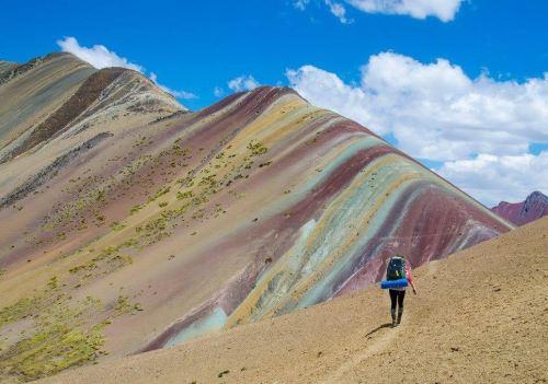 Llegada de turistas por montaña Vinicunca ha generado un movimiento económico en la zona.