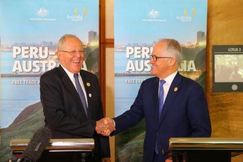 Presidente Pedro Pablo Kuczynski firma compromiso para el TLC con Australia
