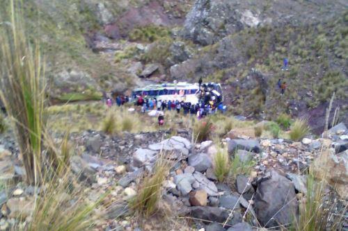 Caída de bus deja 7 muertos en la ruta Nasca-Puquio