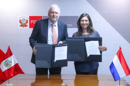 Convenio Perú - Países Bajos
