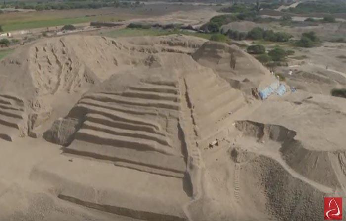 Chan Chan: hallan tercera escalinata en la huaca Toledo