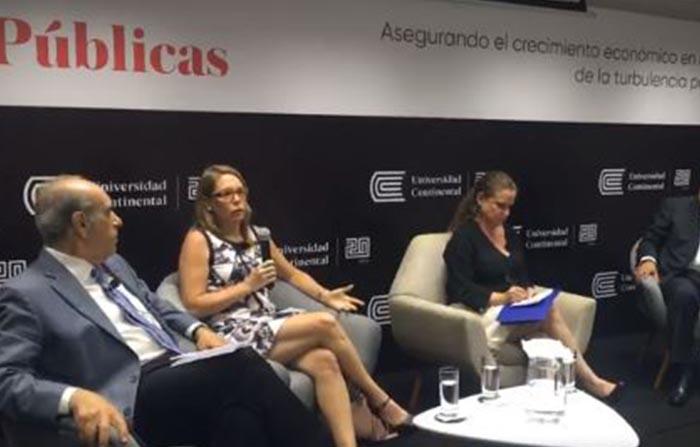 Claudia Cooper, titular del Ministerio de Economía y Finanzas del Perú, explica cómo preservar el crecimiento del país pese a la turbulencia actual
