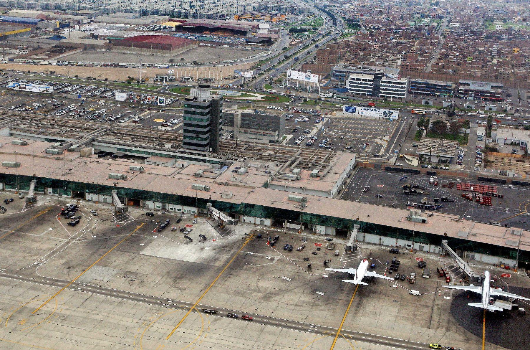 Resultado de imagen para Empresas Aéreas Señalan Que Denuncias De Usuarios Se Generan Por Aumento De Tráfico