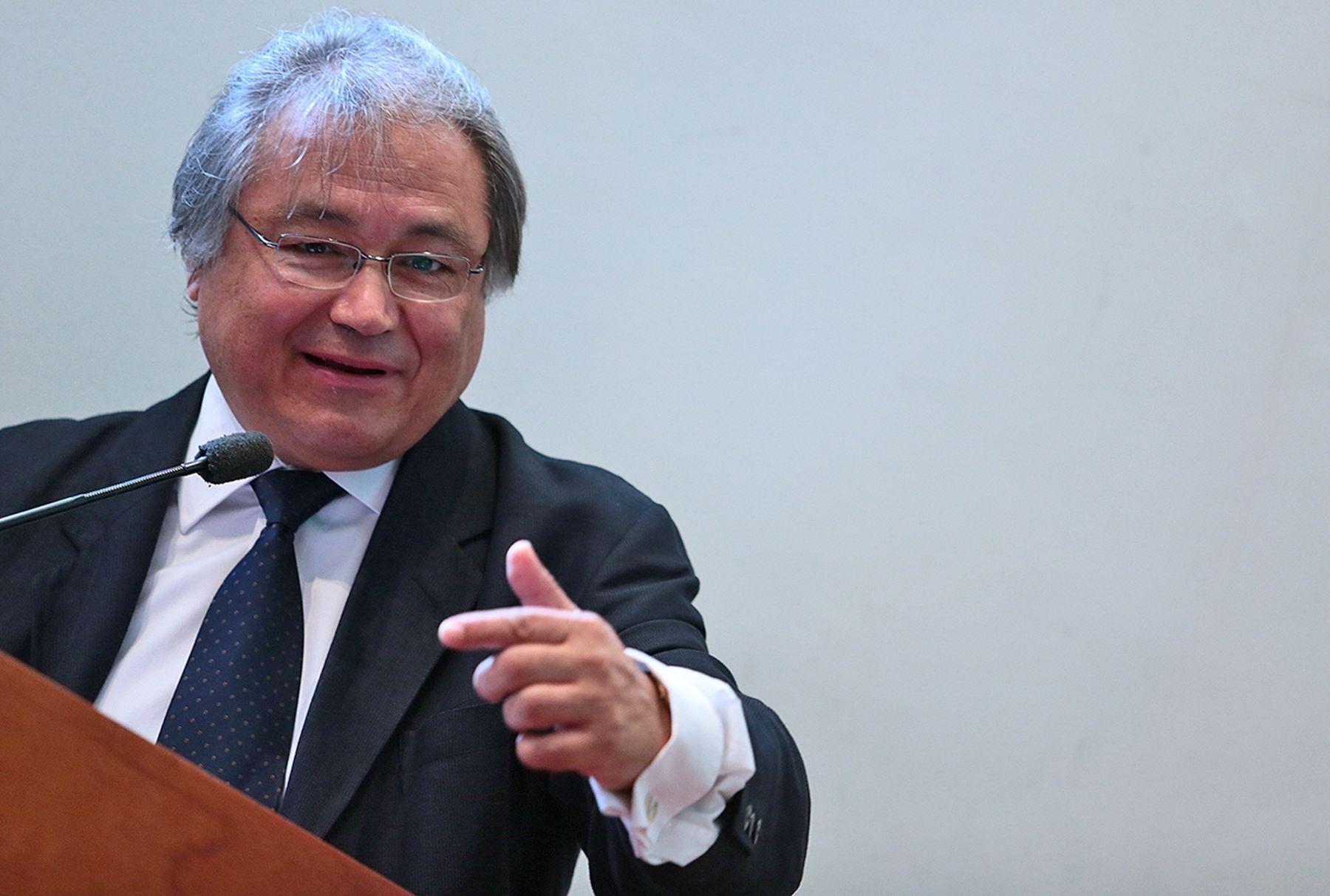 Ministro alb n gabinete tiene un rol t cnico y pol tico for Gabinete del ministro del interior
