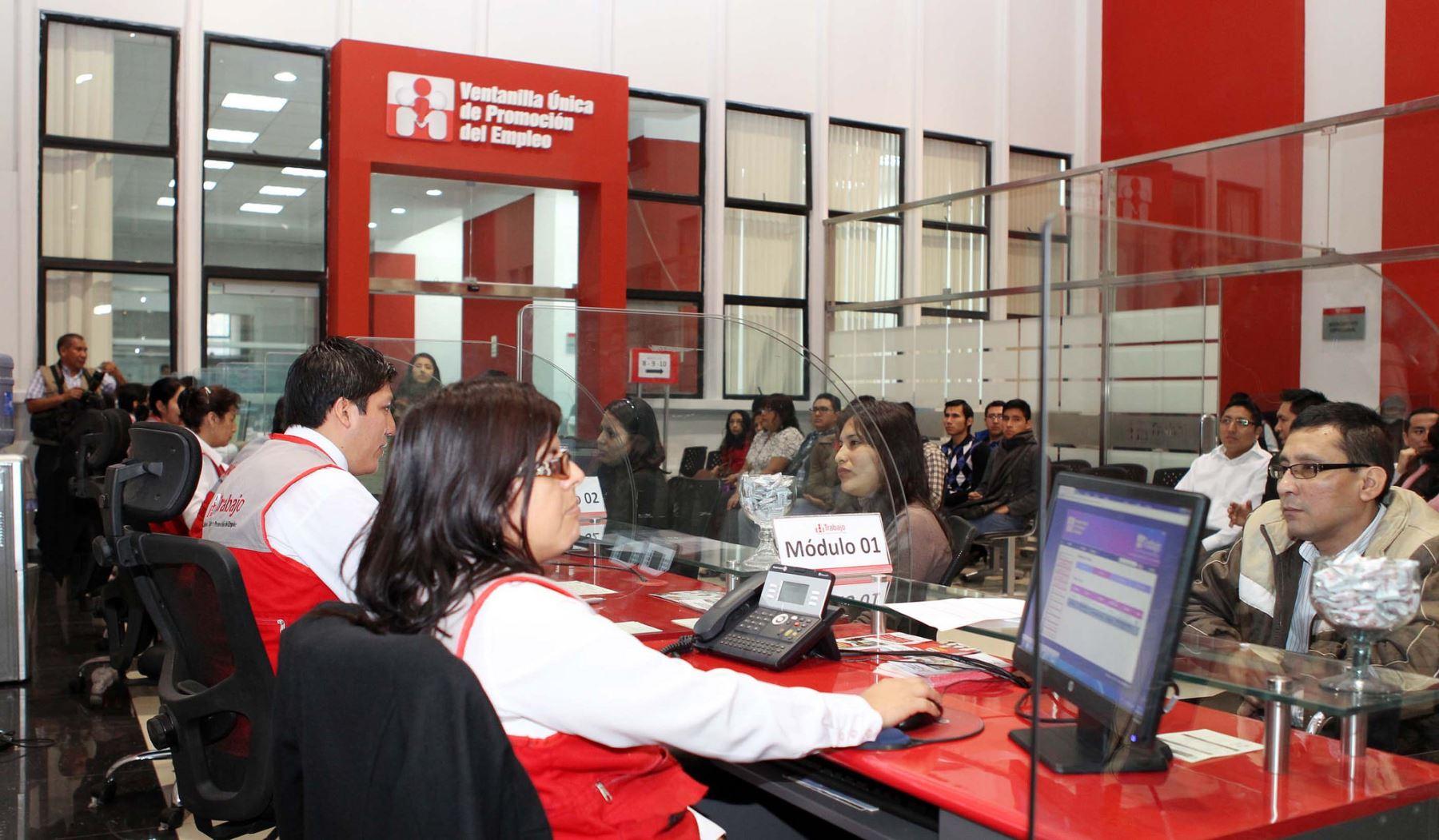 Inauguran en san juan de lurigancho oficina que ayuda a encontrar empleos noticias agencia - Oficinas de trabajo temporal ...