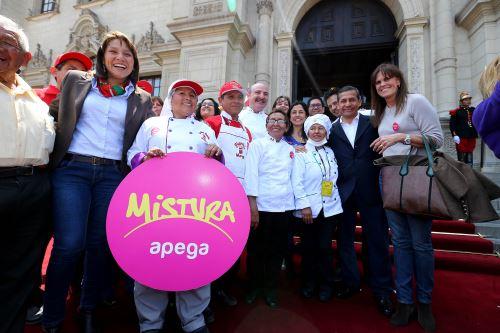 """Presidente Ollanta Humala participó en la Feria """"Mistura, Sabor, Color e Inclusión"""" en el Patio de Honor de Palacio de Gobierno. Foto:ANDINA/Prensa Presidencia"""