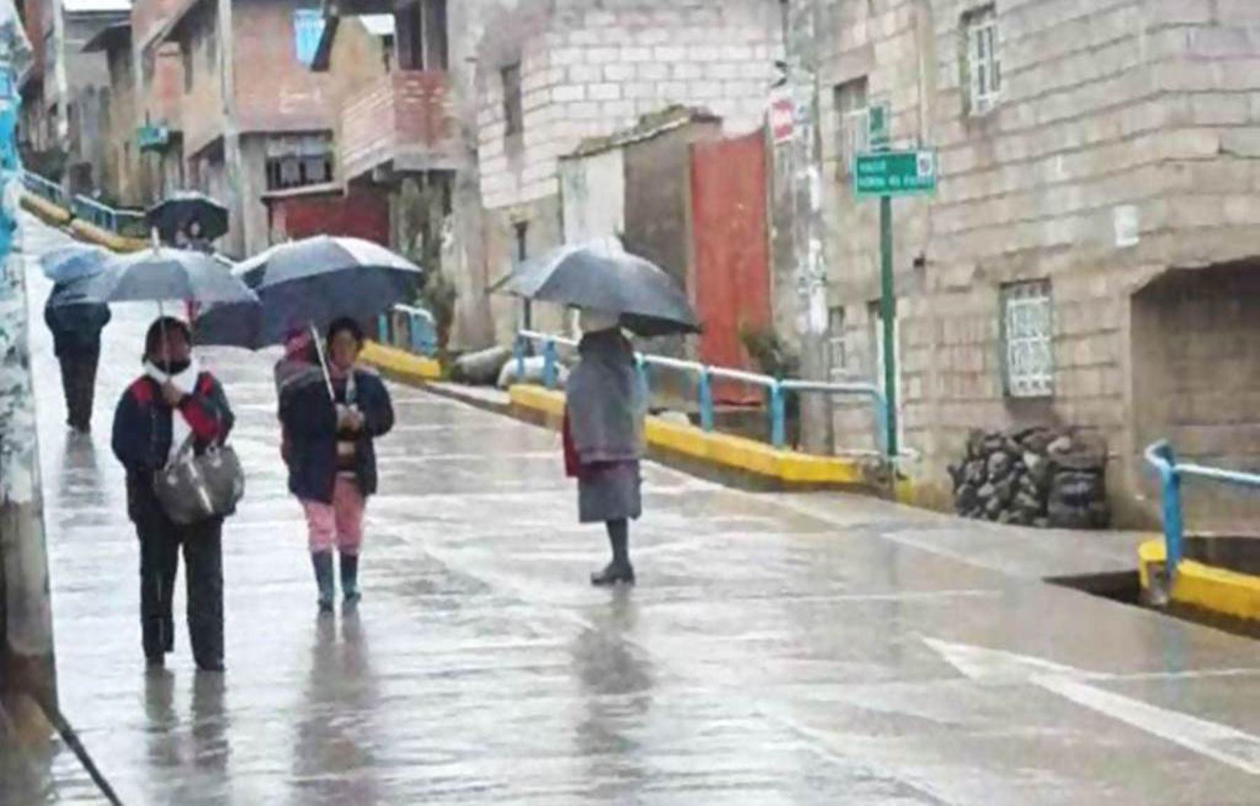 Resultado de imagen para Lluvias moderadas a fuertes afectarán 18 regiones de la sierra desde mañana