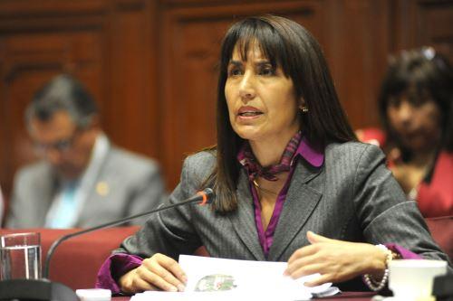 La ministra de Comercio Exterior, Magaly Silva Velarde, expone ante la Comisión de Presupuesto del Congreso. Difusión
