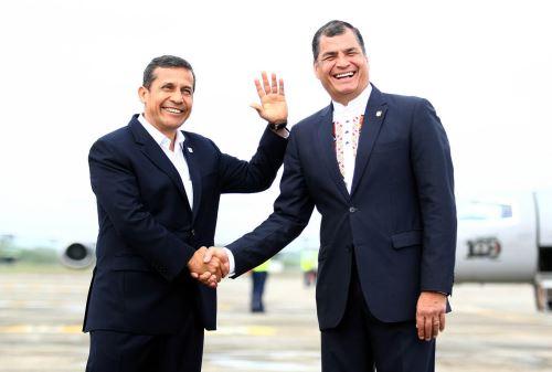 ECUADOR, OCTUBRE 30.Presidente Ollanta Humala llegó a la ciudad de Arenillas, en Ecuador, para sostener un encuentro con su homólogo de Ecuador, Rafael Correa, y participar en la VIII Reunión del Gabinete Binacional de Ministros Perú – Ecuador.Foto:ANDINA/Prensa Presidencia