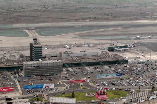 foto aerea de lima, sobre población, aeropuerto jorge chavez. Foto: ANDINA/Melina Mejia