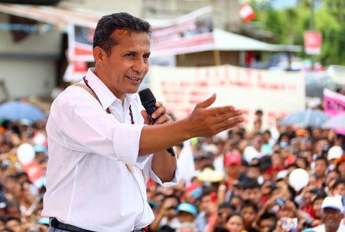 Obras de rehabilitación, mejora y conservación del tramo vial Duran-Puente Wawico fueron inauguradas por el presidente Ollanta Humala en la región Amazonas