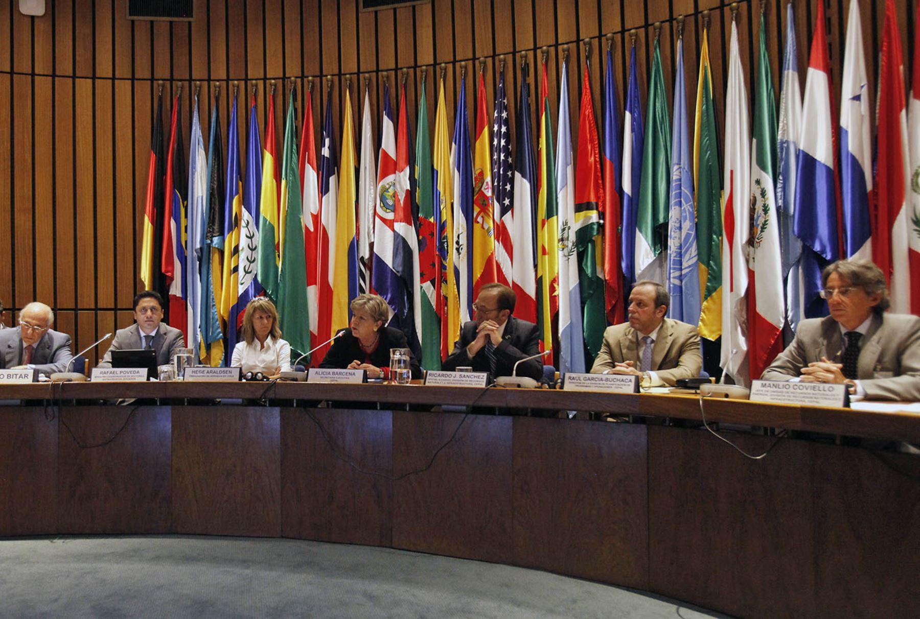 Sin TLCAN caerán 8% ventas de México a EU, advierte la Cepal