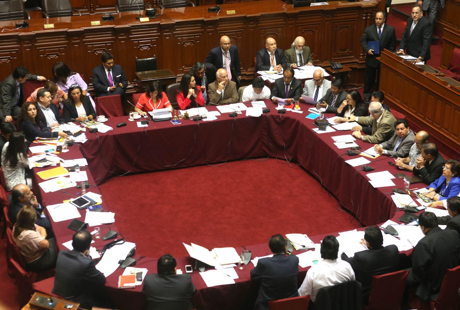 Lima per enero 28 presidenta del consejo de ministros for Clausula suelo consejo de ministros