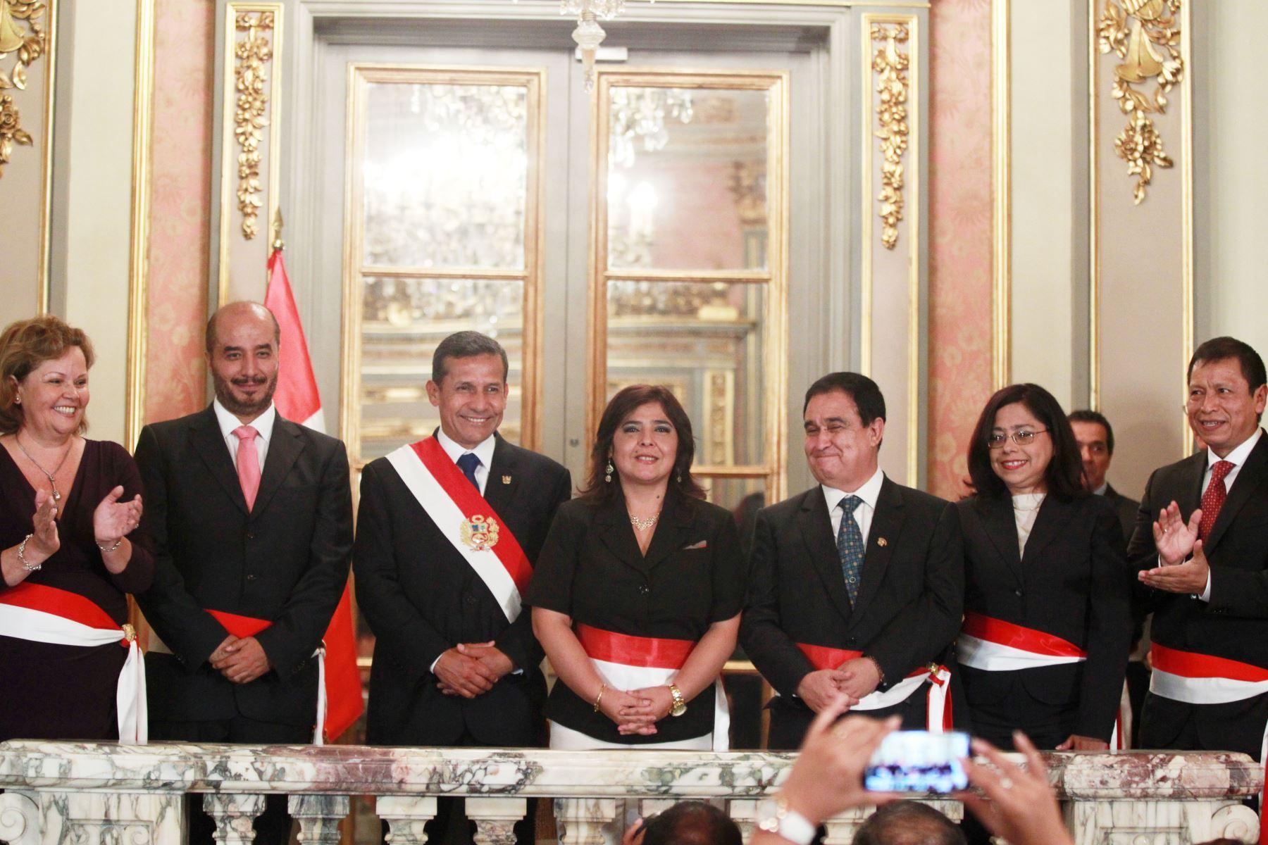 Poder ejecutivo oficializa designaci n de cinco nuevos for Foto del ministro del interior
